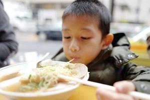 百姓关注·坚决制止餐饮浪费行为①