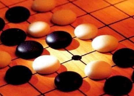 人工智能PK巴菲特:AI炒股和股神炒股,谁更神?